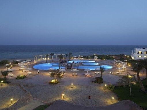 ذا ثرى كورنرز إيكونكس بيتش ريزورت The Three Corners Equinox Beach Resort