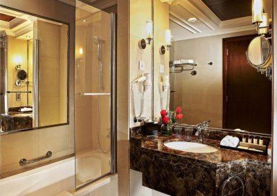 فندق بارك ريجيس كريسكين Park Regis Kris Kin Hotel