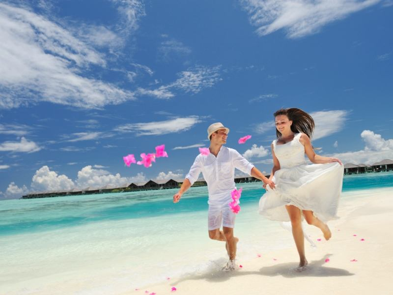Honeymoon Offer 13 Night 3000 $