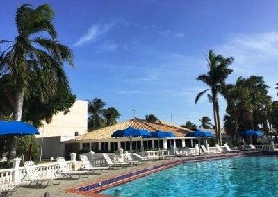 منتجع هوليداي بيتش Holiday Beach Resort
