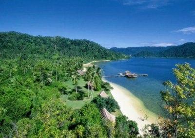 جزيرة كوباداك اندونيسيا.