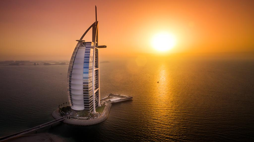 فعالیت در هتل Burj Al Arab Hotel دبی امارات متحده عربی