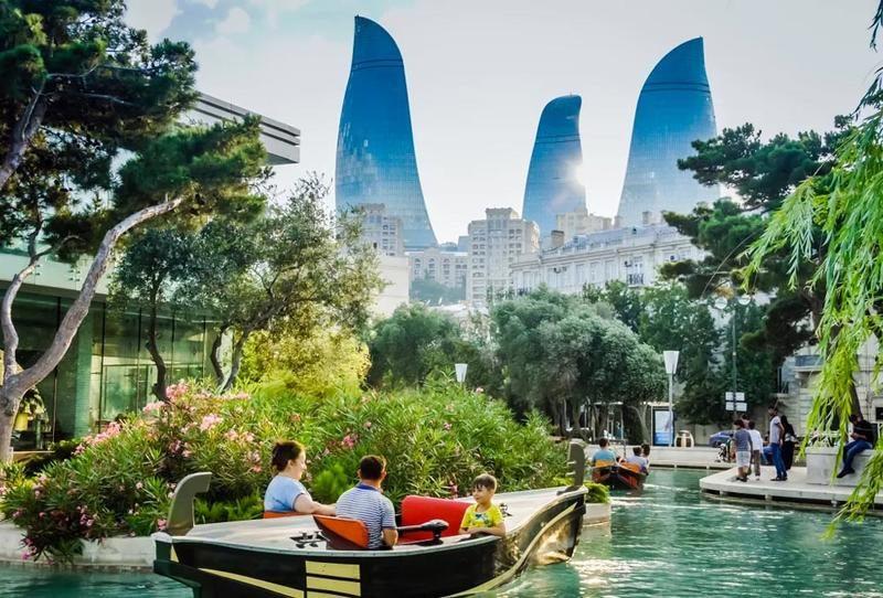 عشر أسباب للسفر إلى أذربيجان
