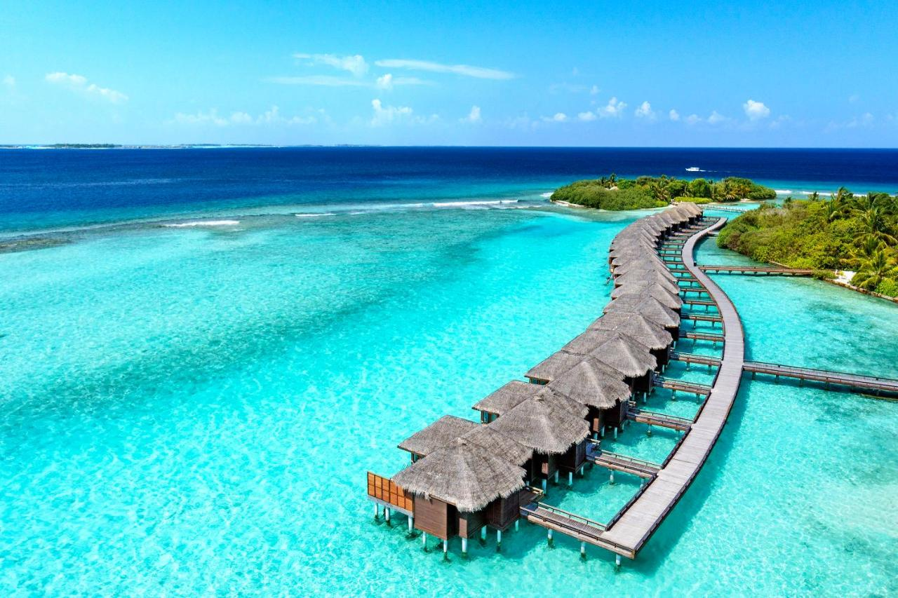 تعرف علي منتجع شيراتون المالديف