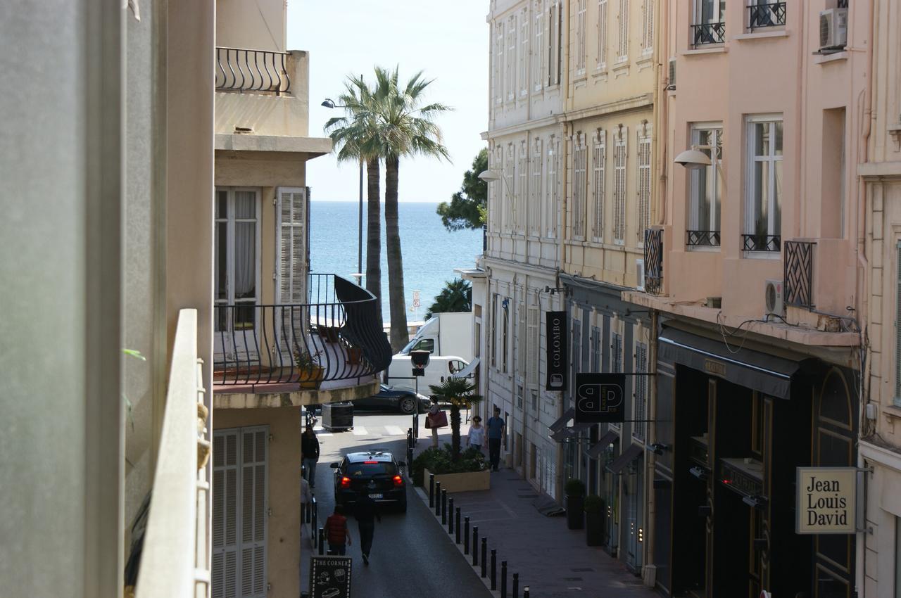 شارع لا كروازيت فرنسا من اشهر الشوارع فى فرنسا حيث انه يمتد لمساحة اتنين كم