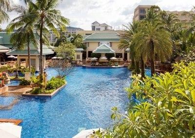 هوليداي إن بوكيت  Holiday Inn  Phuket