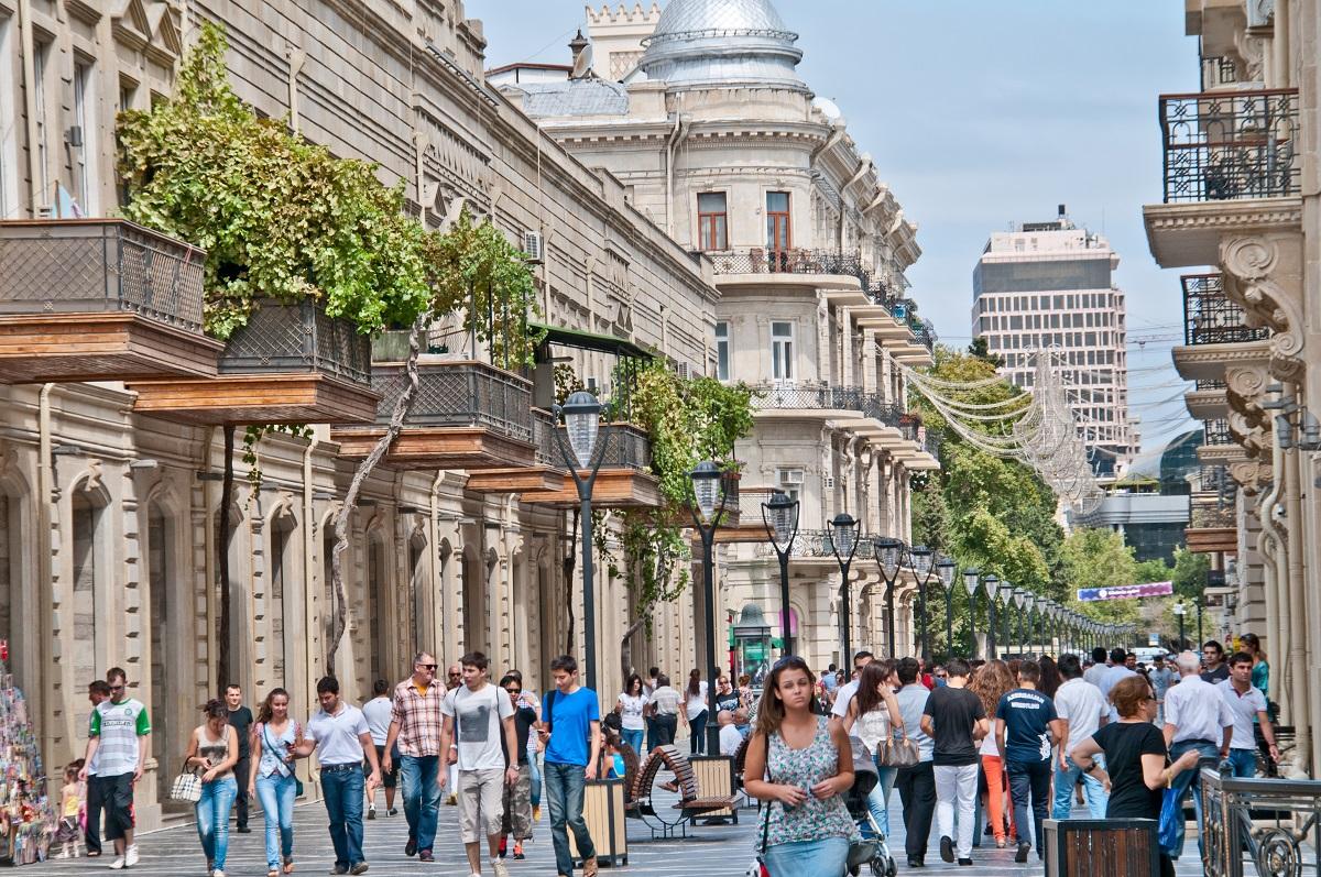 افضل المزرات السياحيه في باكو | متعه التسوق فى مدينة باكو اذريبجان