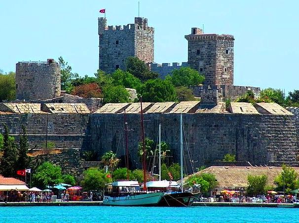 أنشطة في قلعة بودروم تركيا