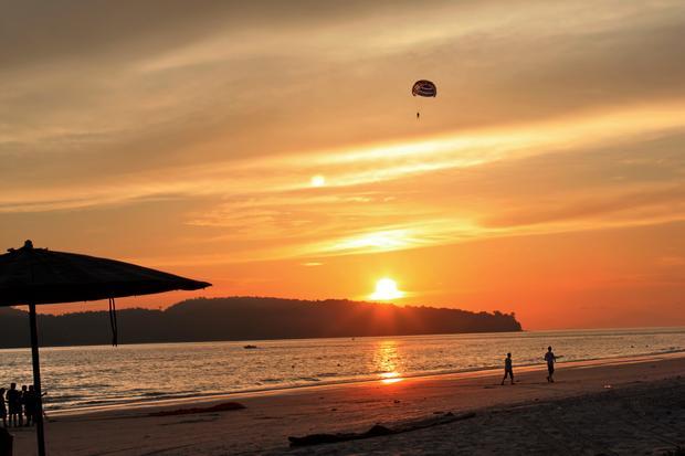 افضل 7 أنشطة في شاطئ سينانج لنكاوي