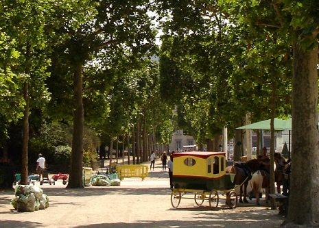 الانشطة السياحية فى ساحه شون دو مارس فرنسا | ساحة شون دو مارس فرنسا