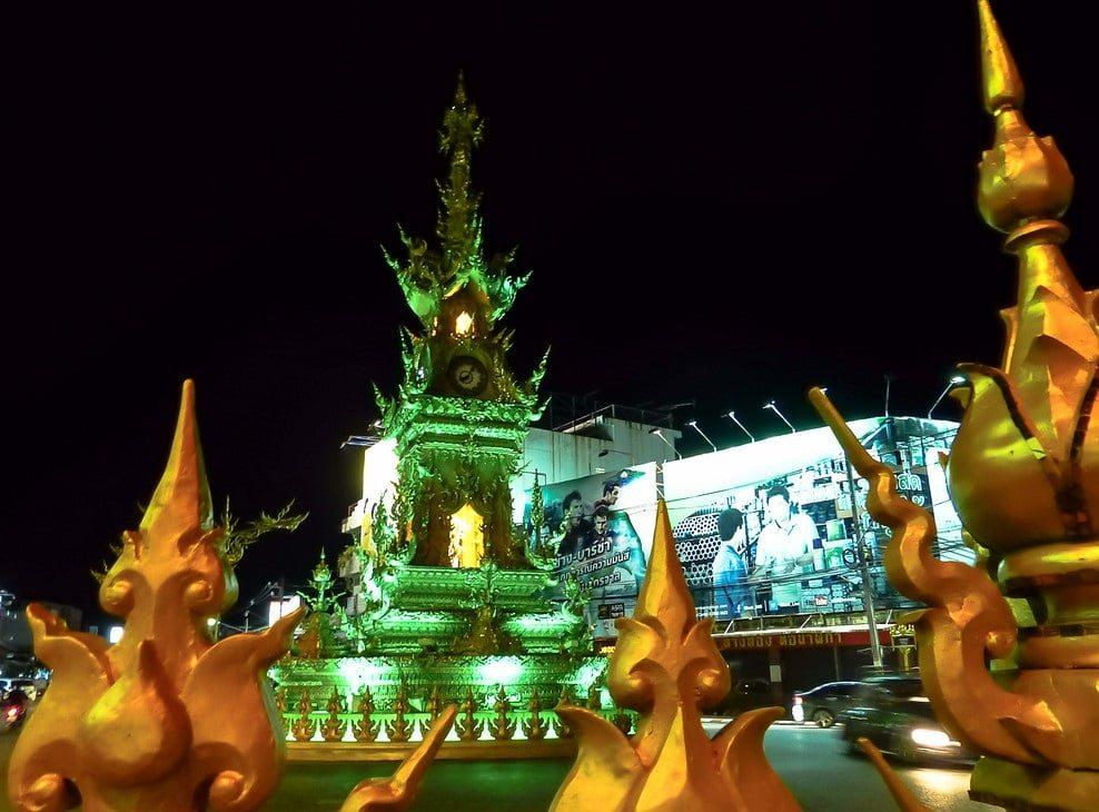 برج الساعه الذهبية فى شيانغ راى
