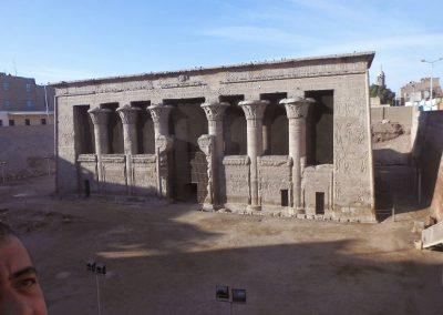 معبد اسنا