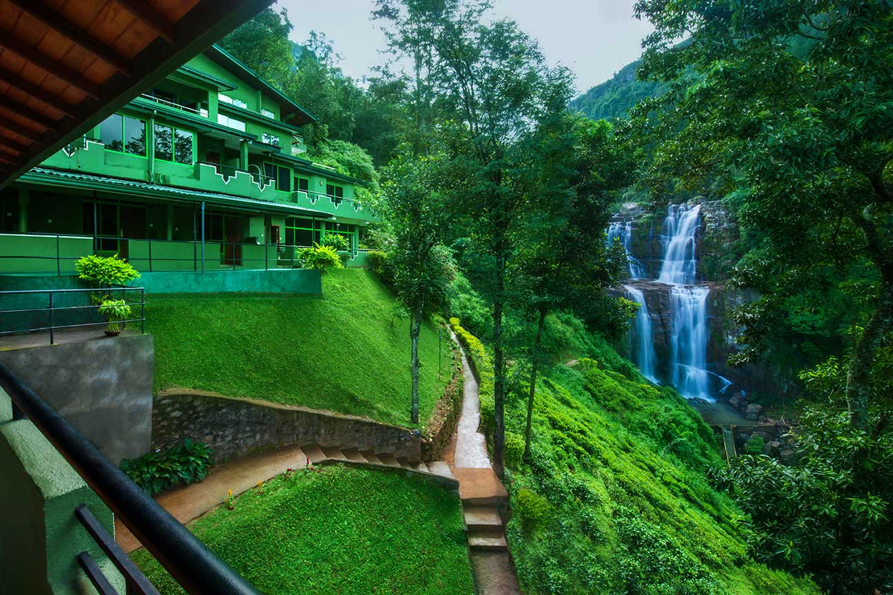شلالات رامبودا في سريلانكا