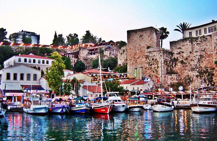 Antigua ciudad de Kalichi Antalya Turquía