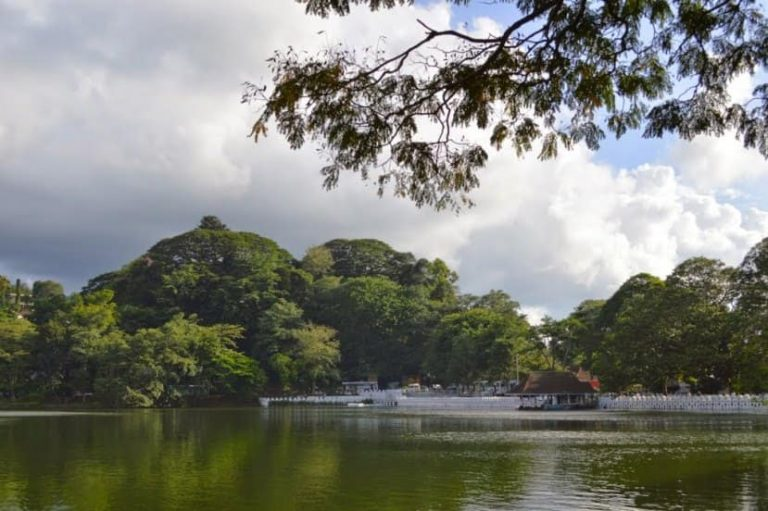اهم الانشطة الترفيهية فى بحيرة كاندى سيريلانكا | اكتشف بحيرة كاندى سريلانكا
