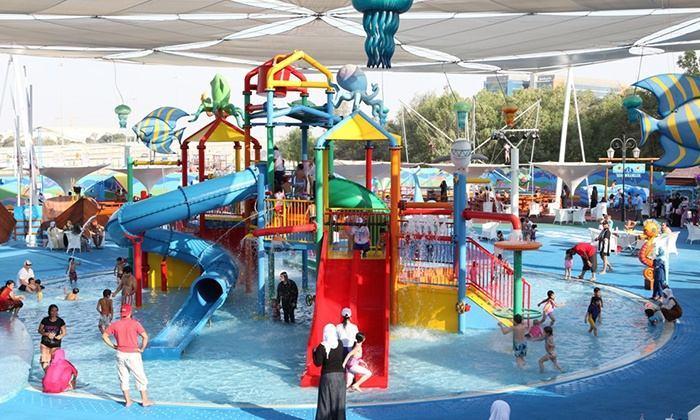 أنشطة في حديقة الالعاب المائية أبوظبي