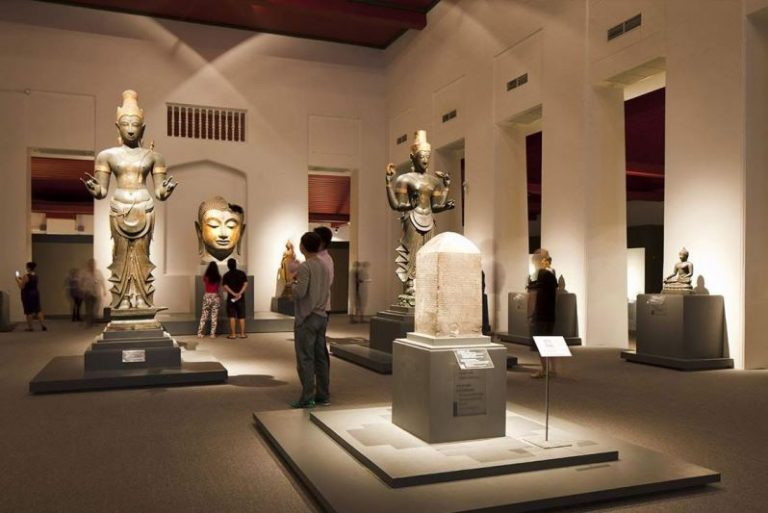 متحف كولومبو الوطنى سيريلانكا