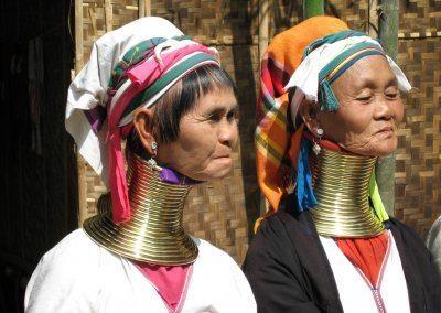 قبائل الرقاب الطويلة