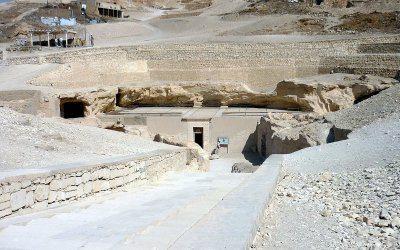 ضريح الشيخ عبد القرنة