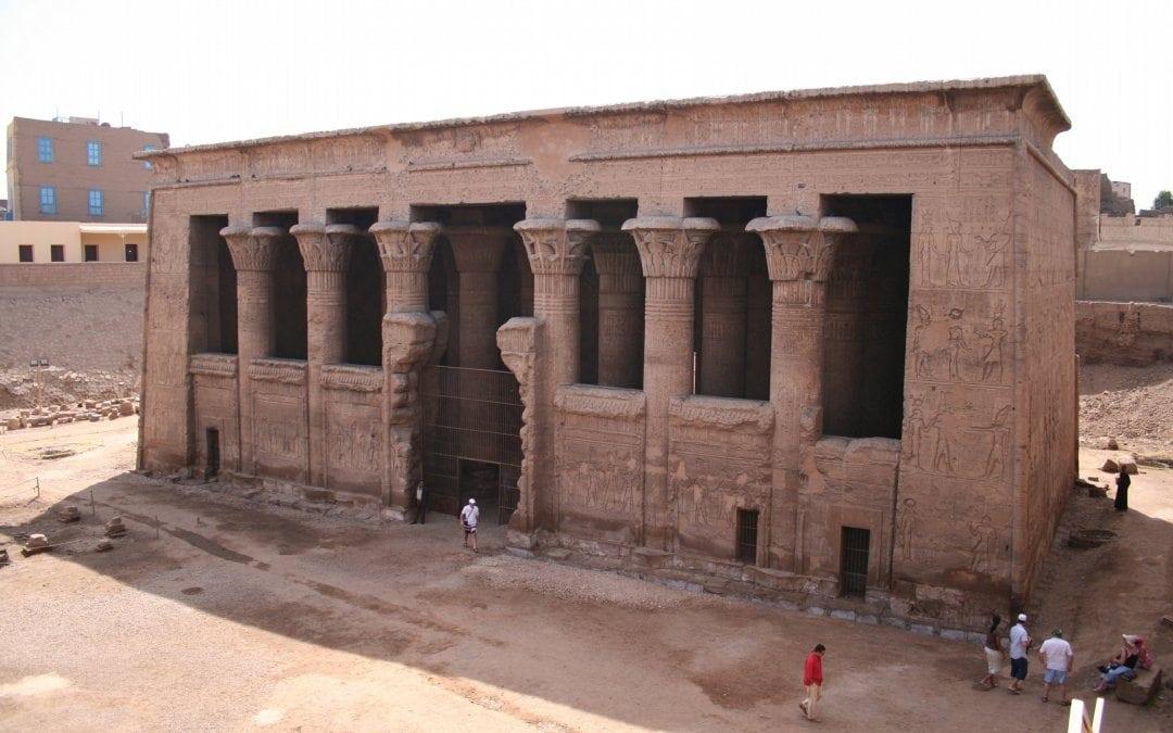 معبد اسنا في الاقصر