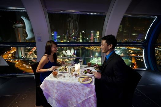 أفضل 6 انشطة عند عجلة سنغافورة الدوارة