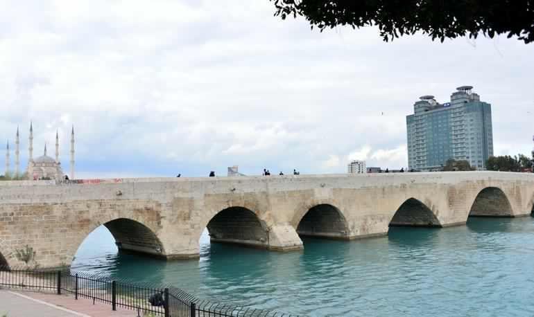 الجسر الحجري تركيا