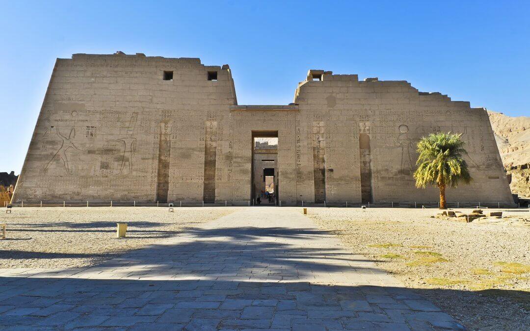 جولة فى معبد هابو و الدير في الاقصر