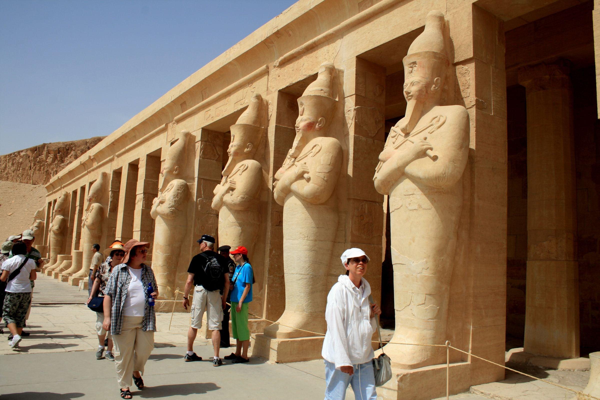 معبد الملكه حتشبيسوت مصر