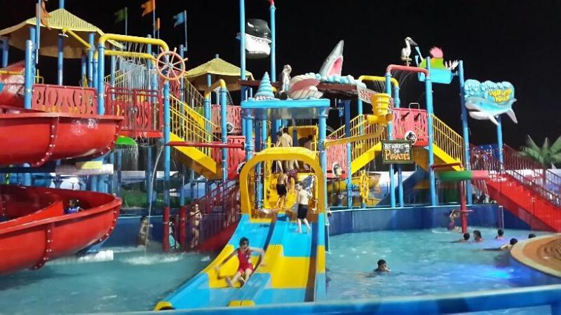 أنشطة في الحديقة المائية ووتر سبلاش الرياض