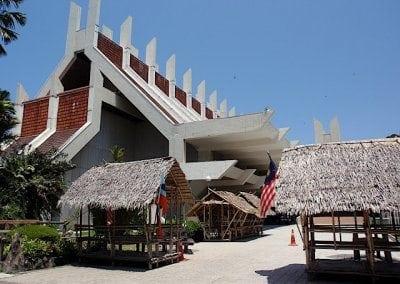 الأنشطة السياحية فى مدينة كوتا كينابالو في ماليزيا | مدينة كوتا كينابالو ماليزيا