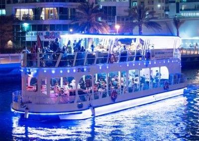 جولة بحرية كاملة لإمارة أبوظبي