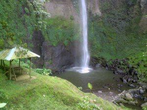 Chute d'eau de Simahi à Bandung