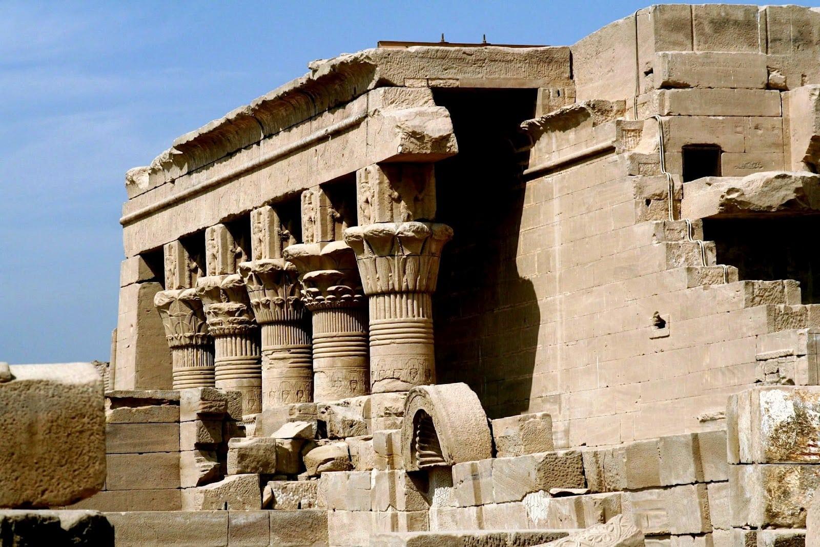 معبد دندرة مصر