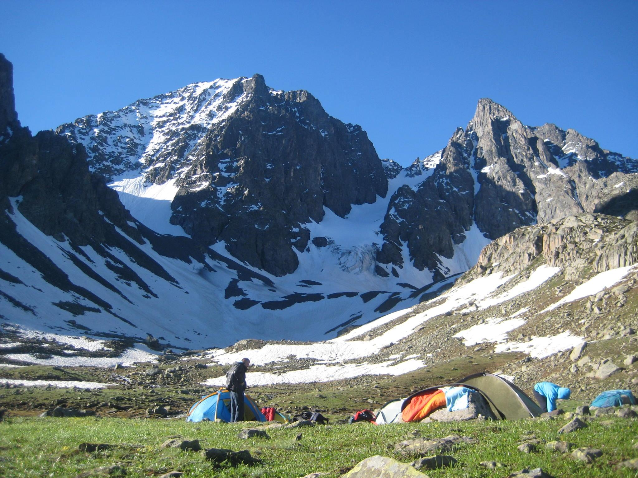 أنشطة عند قمة تشاغران كايا ريزا تركيا