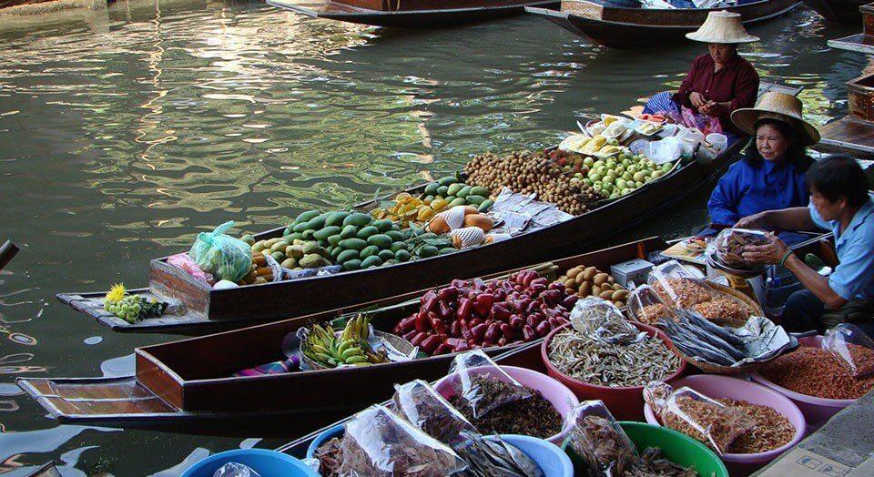 السوق العائم