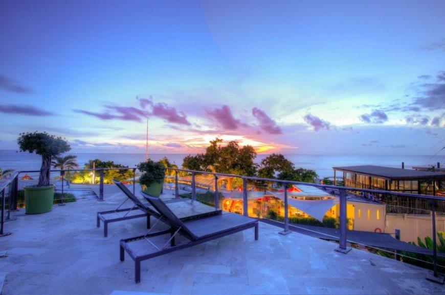 Plaj Seminyak Bali Endonezya