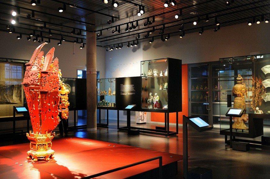 المتحف الوطنى جاكرتا اندونيسيا