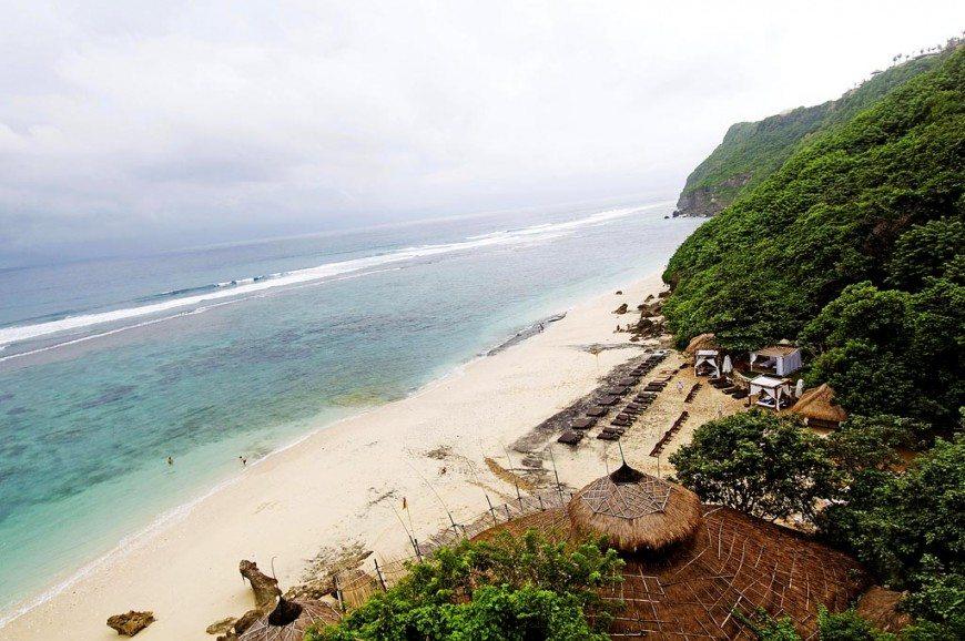 شاطئ جيمباران بالي اندونيسيا