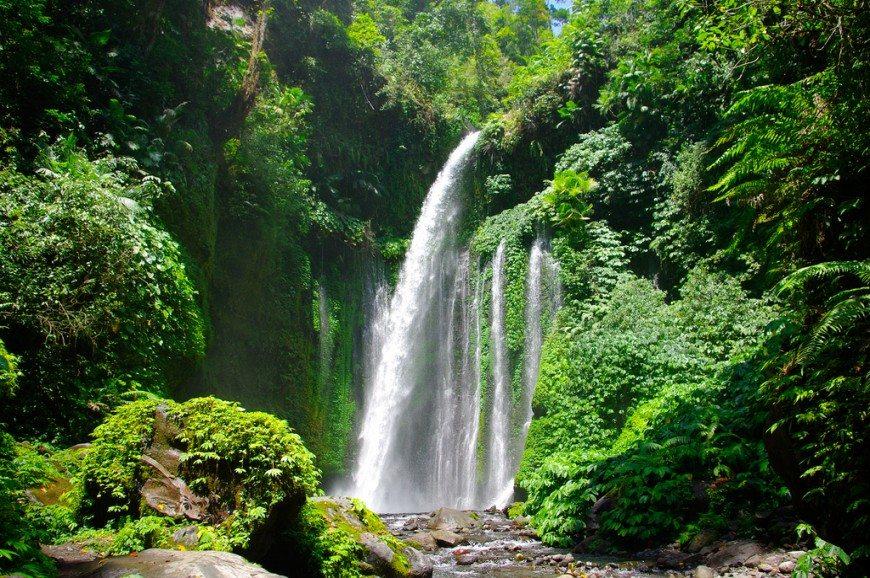 الشلالات السبعة بونشاك اندونيسيا