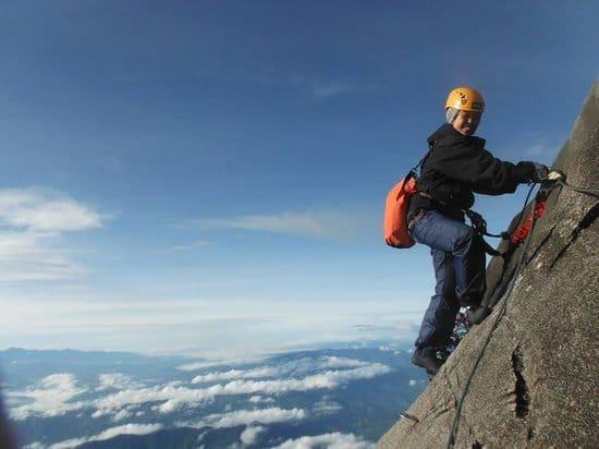 الطريق الحديدي لتسلق جبل كينابالو