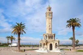 أنشطة عند برج الساعة في اضنة تركيا
