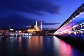 أنشطة في جسر غلاطة اسطنبول تركيا