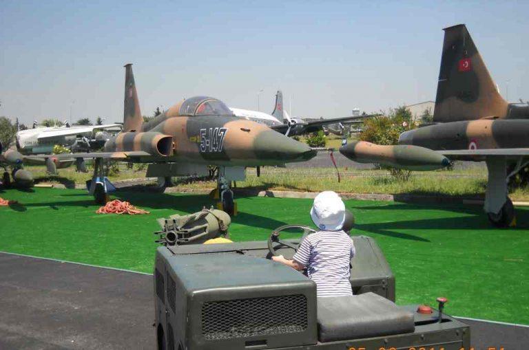 أنشطة في متحف الطيران أسطنبول