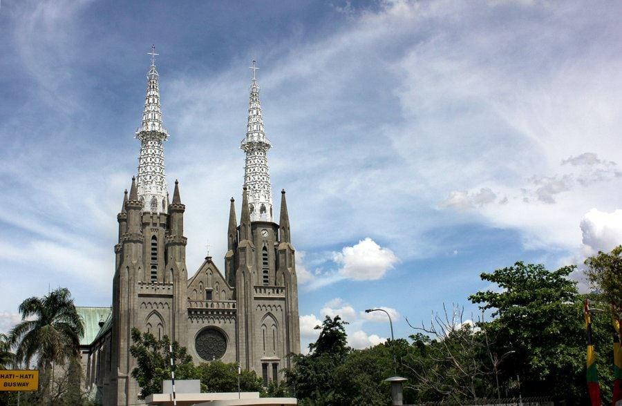 كاتدرائية مدينة جاكرتا اندونيسيا