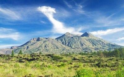 بركان كنتماني في جزيرة بالي