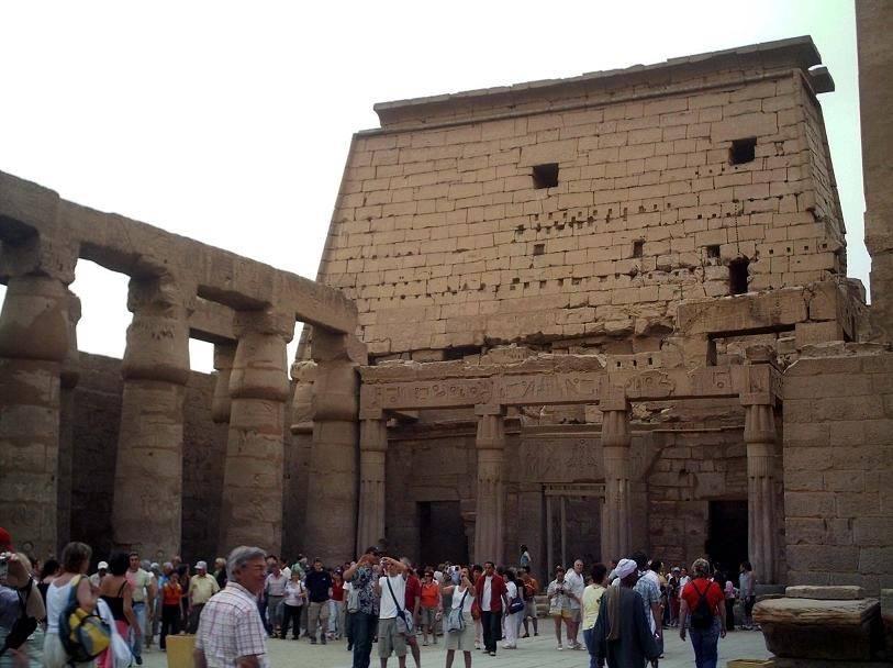 معبد تحتمس الثالث مصر