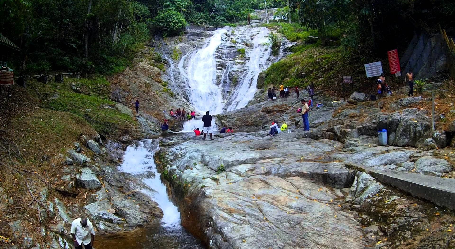 شلالات كوتا تينجي ماليزيا