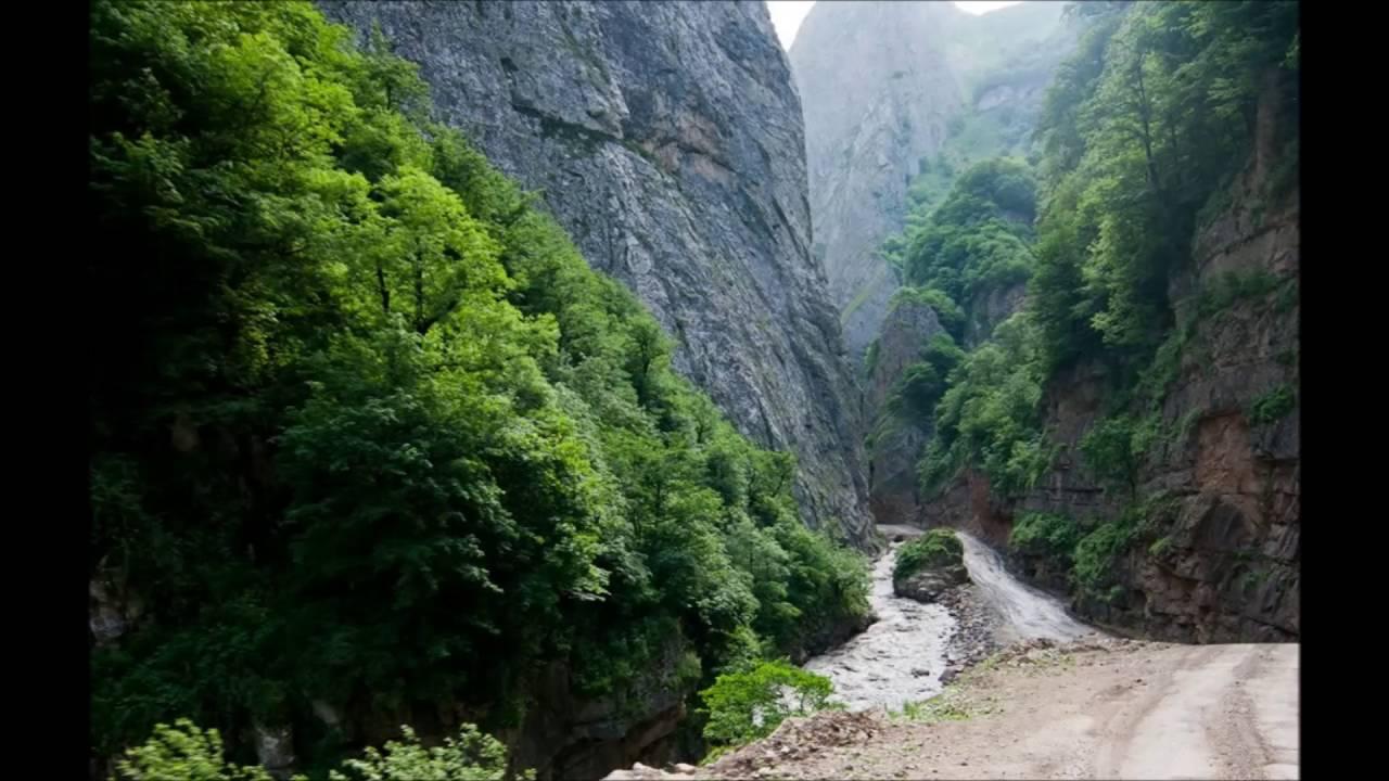 هي مدينة شمال في شرق أذربيجان، تقع على المنحدرات الشرقية لجزر القوقاز الكبرى ، على الضفة اليمنى لنهر جوديال