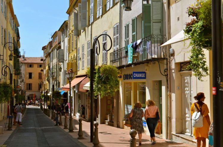 المدينة القديمة فرنسا