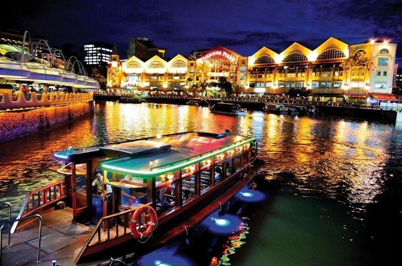 جولة سياحية فى نهر سنغافورة